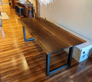 custom furniture maker st. paul, minneapolis walnut live edge dining table (1)